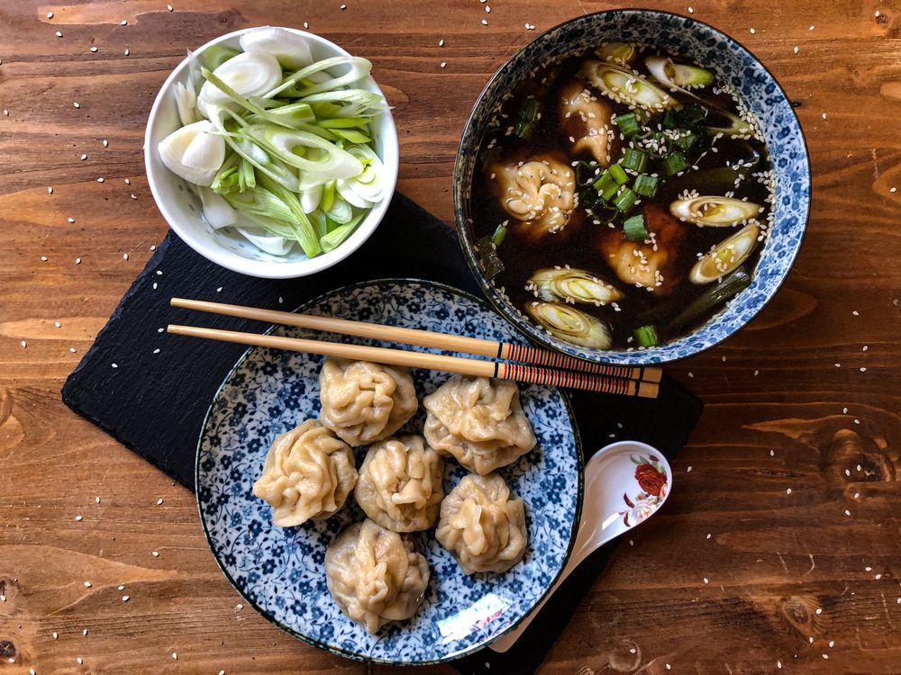 Čínska polievka s Wonton knedličkami